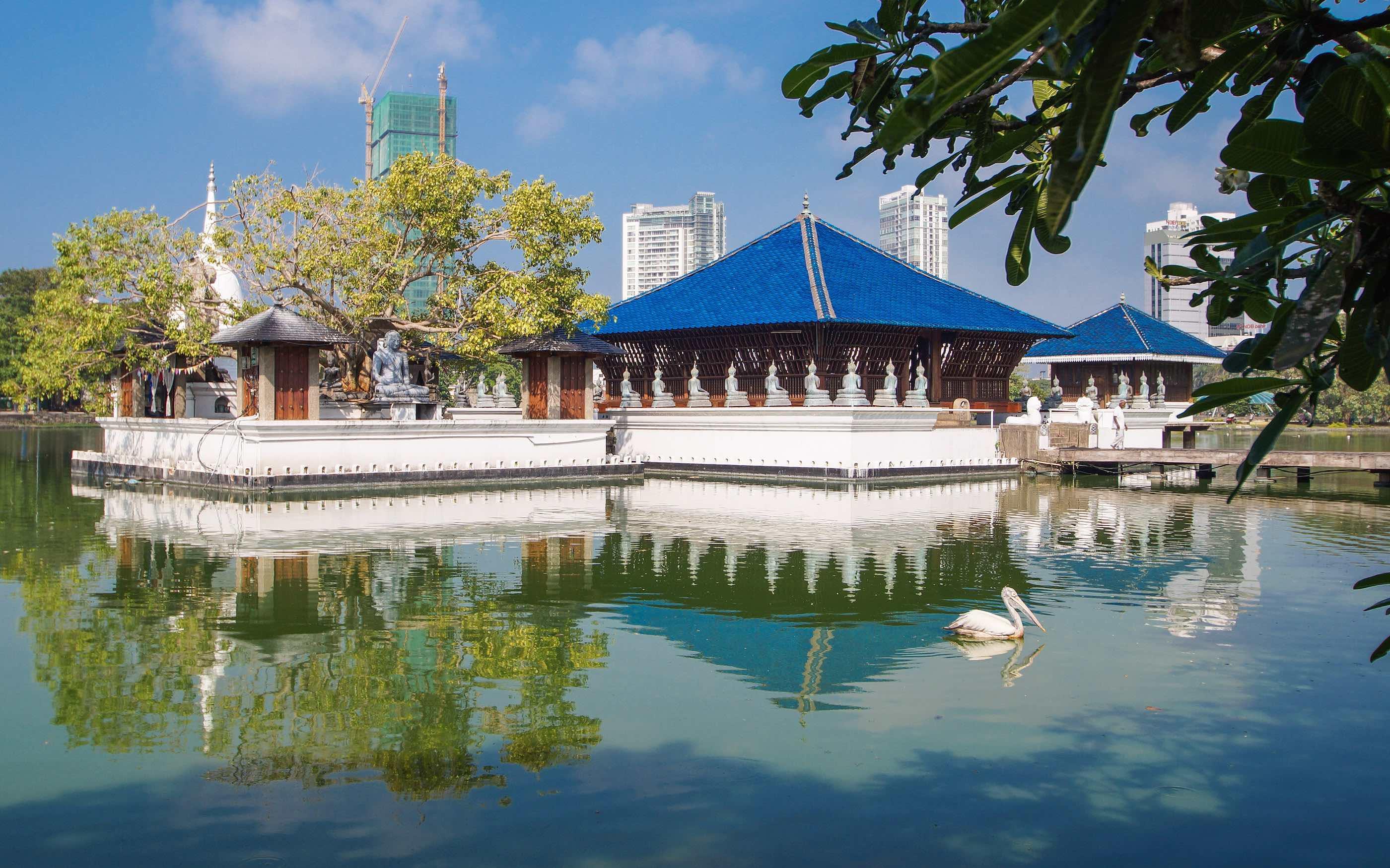 gangaramaya-vihara-buddhist-temple