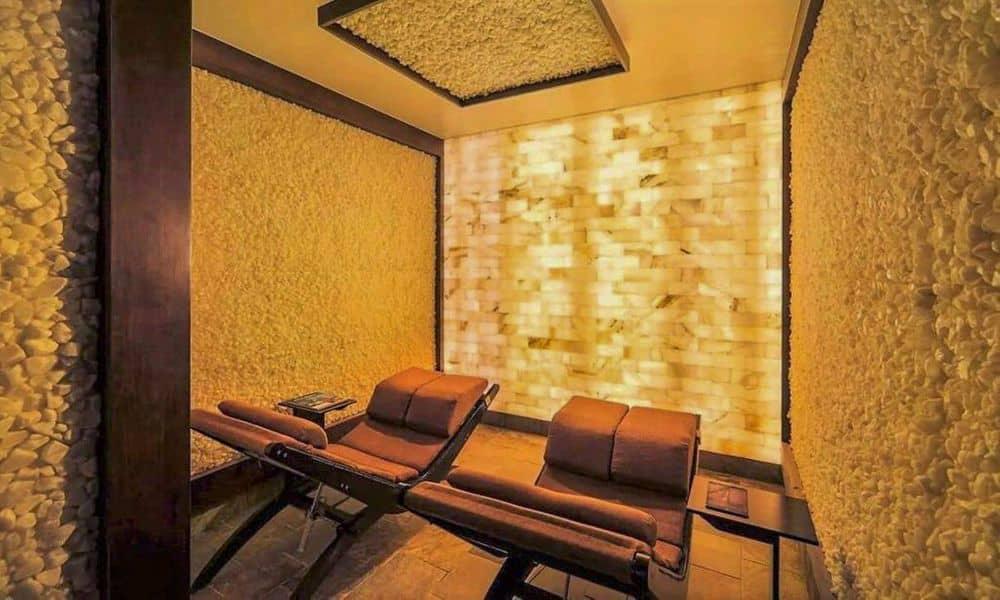 hyatt-regency-scottsdale-resort-and-spa-p256-spa-avania-himalayan-salt-room-empty